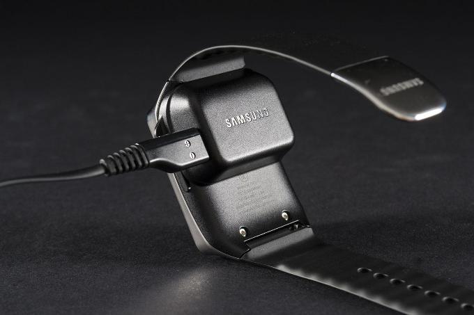 Зарядка Samsung Gear Live