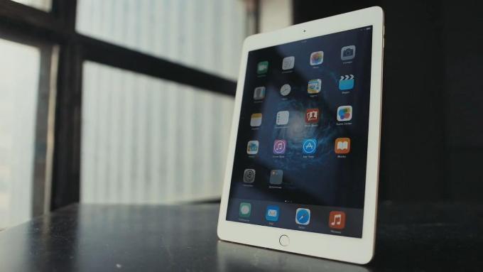 Экран iPad Air 2