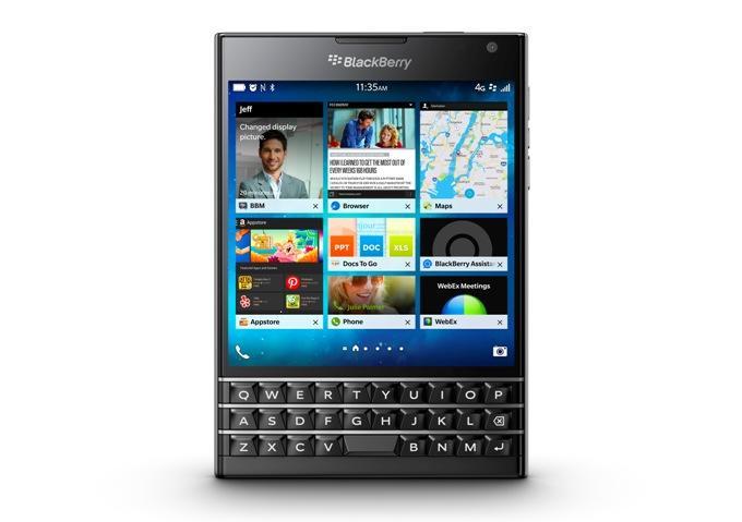 BlackBerry Passport - лучший смартфон с клавиатурой