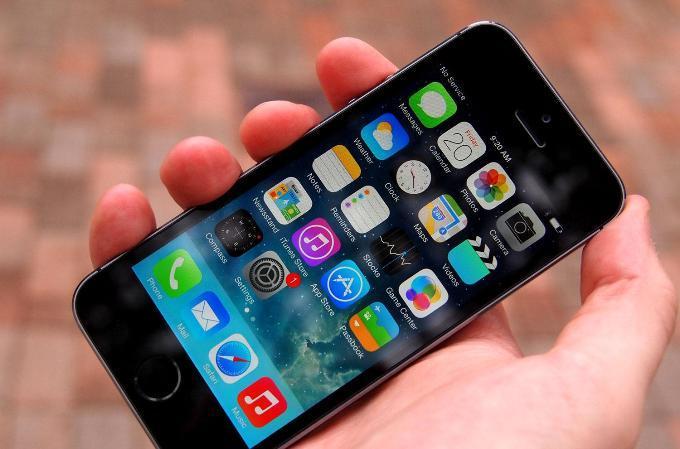 Отходит стекло в iPhone 5