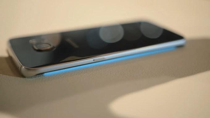 Подсветка на вызов в Galaxy S6 Edge