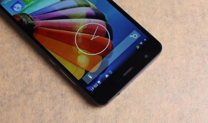 Внешний вид и экран Jiayu S3
