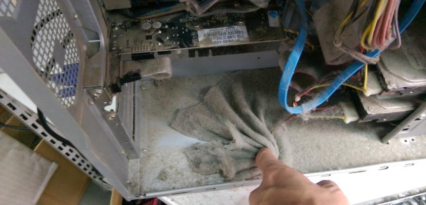Компьютер не включается из-за пыли в системном блоке